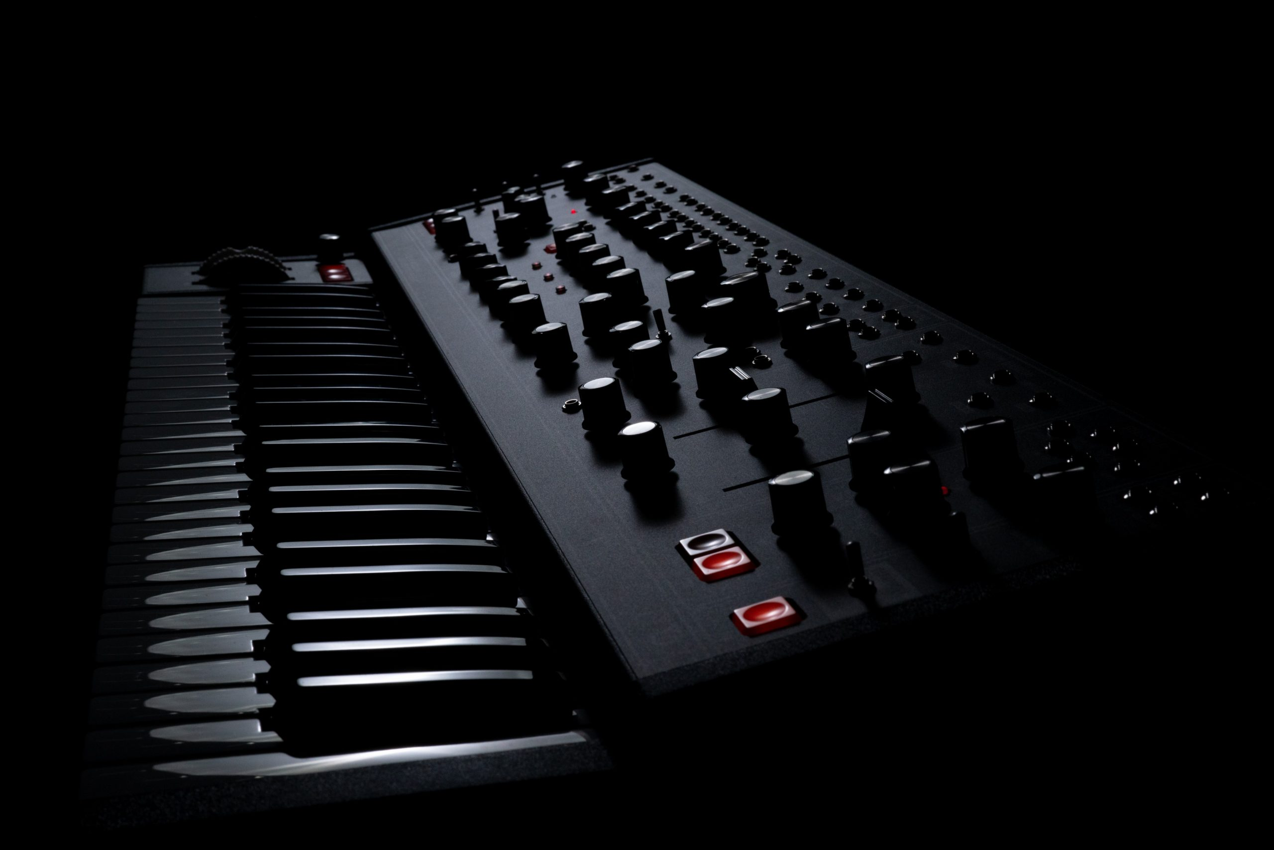 Moog – Matriarch Dark & Grandmother Dark