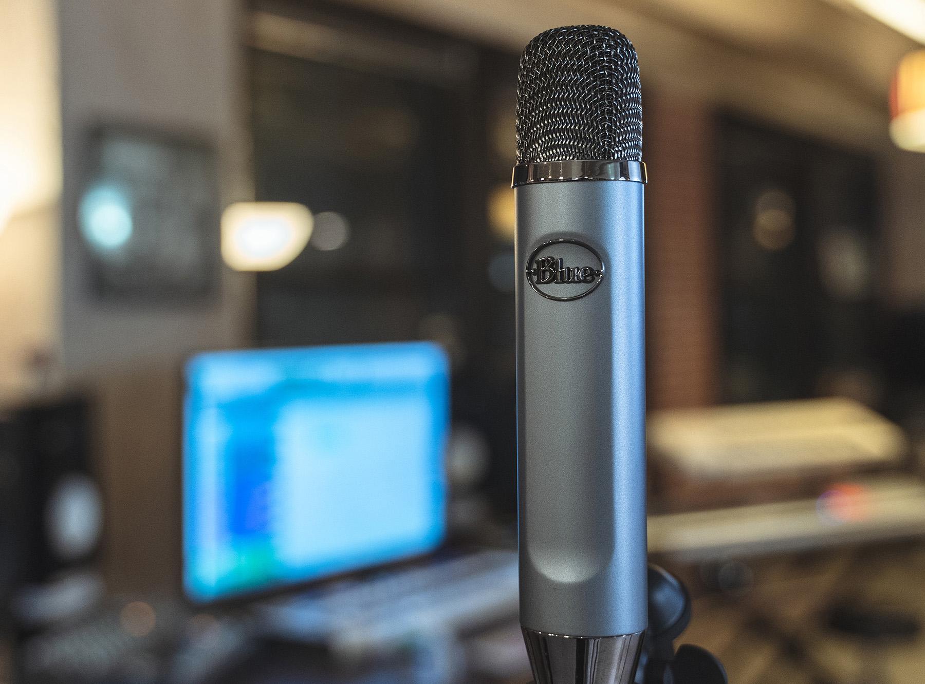 Blue Ember – Ny elegant kondensatormikrofon för modern inspelning