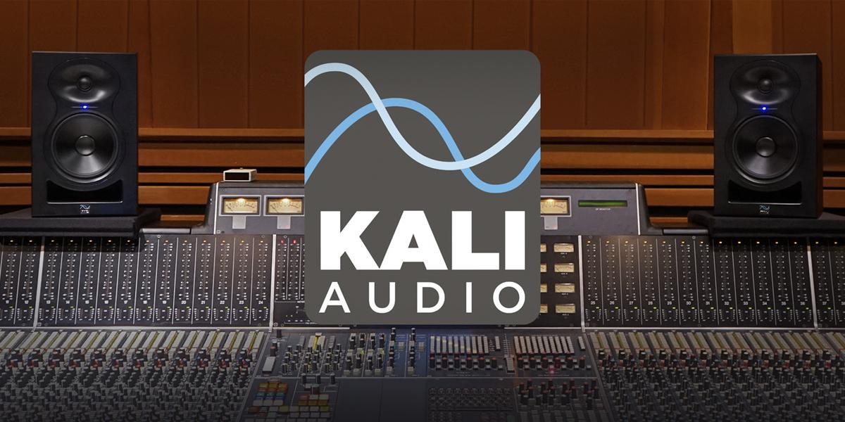 Kali Audio 3-vägs Co-Axial studiomonitor och volymkontroll med Bluetooth