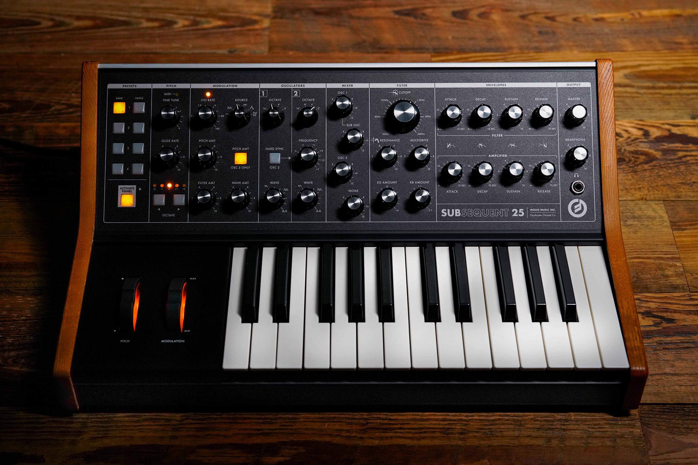Moog Subsequent 25 – Kompakt parafonisk analogsynt