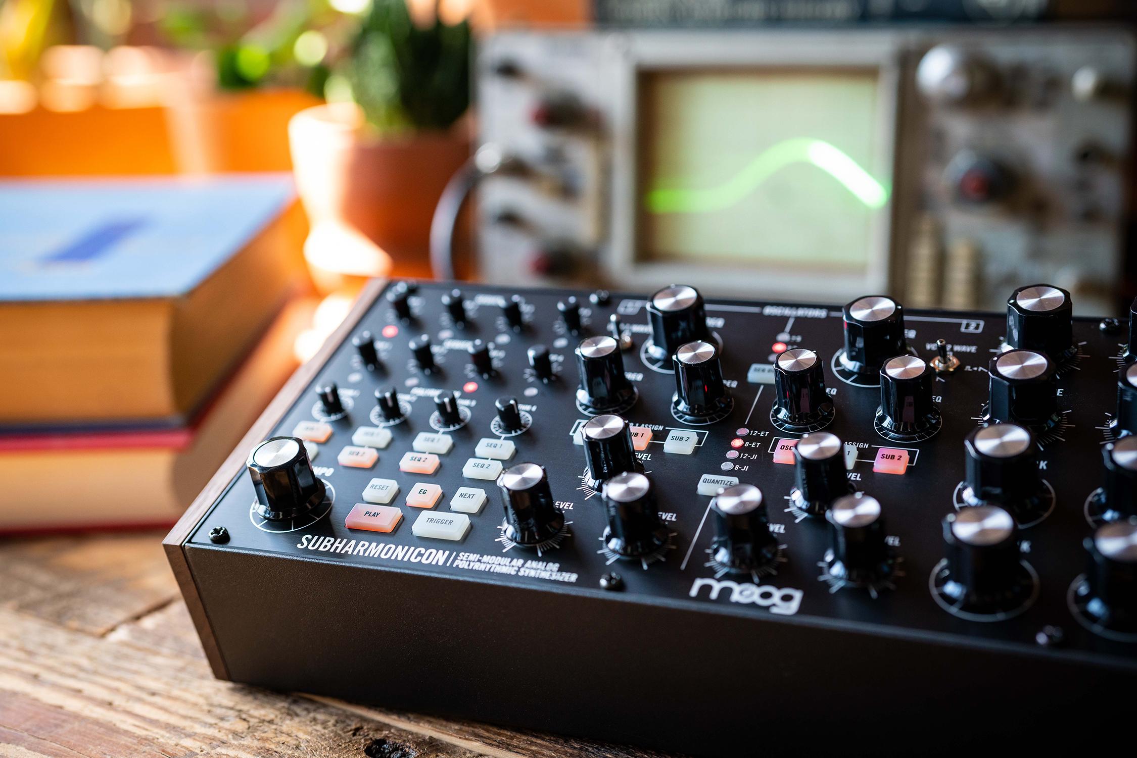 Moog Subharmonicon – Ny semimodulär polyrytmisk analogsynt