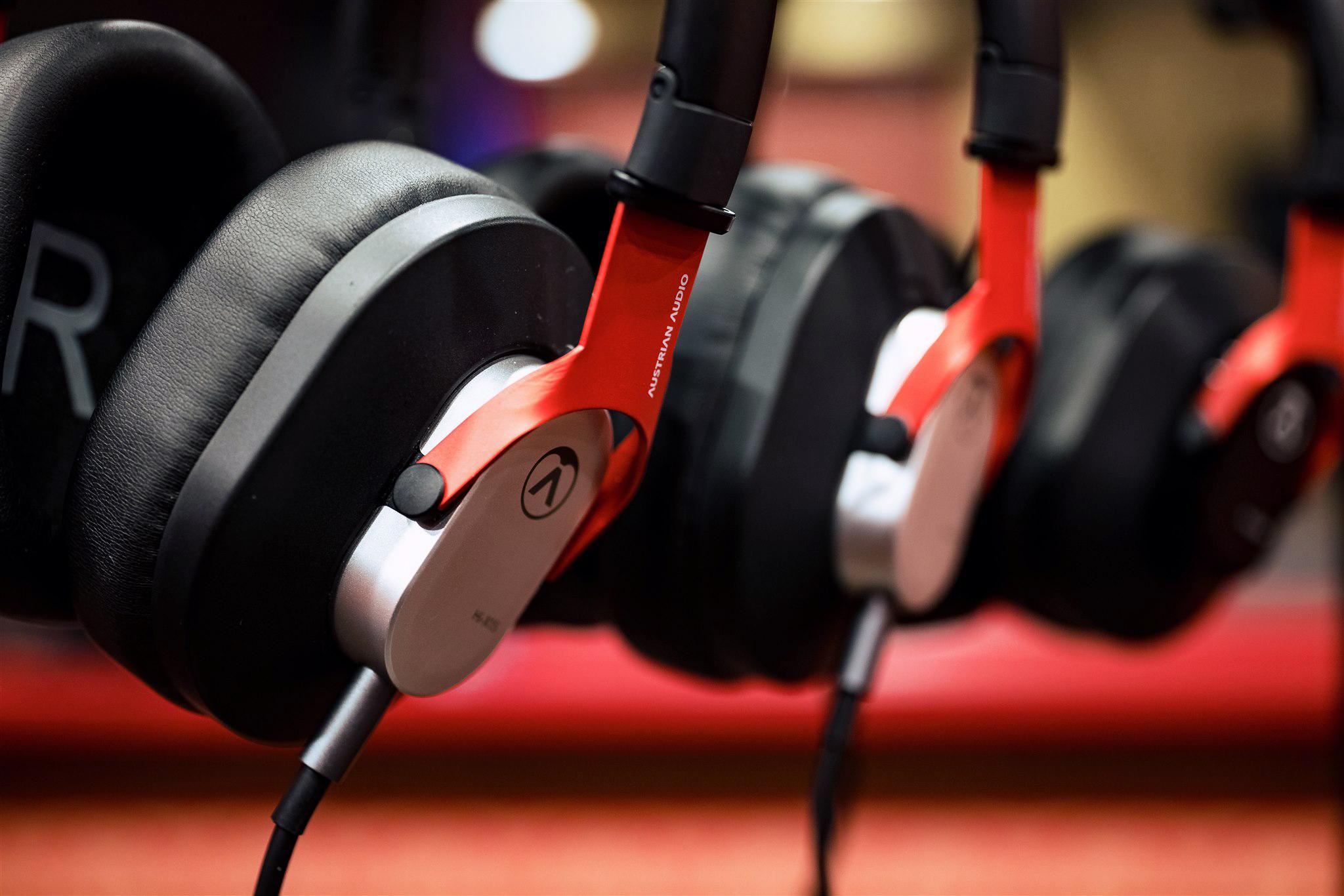 Austrian Audio Hi-X25BT & Hi-X15